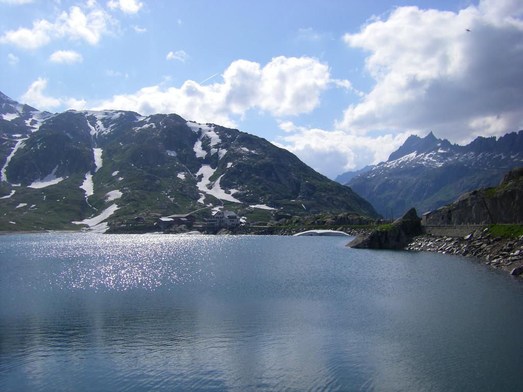 Le lac au sommet du col.