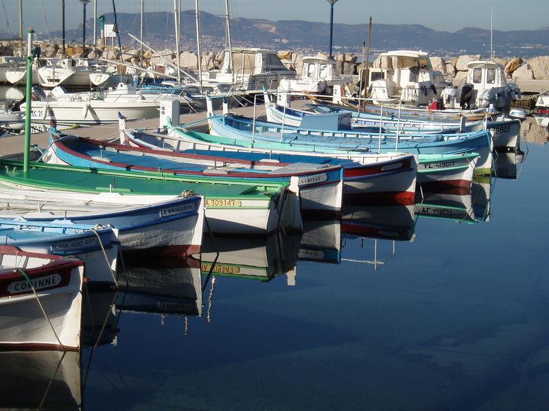 Le petit port de la Madrague.
