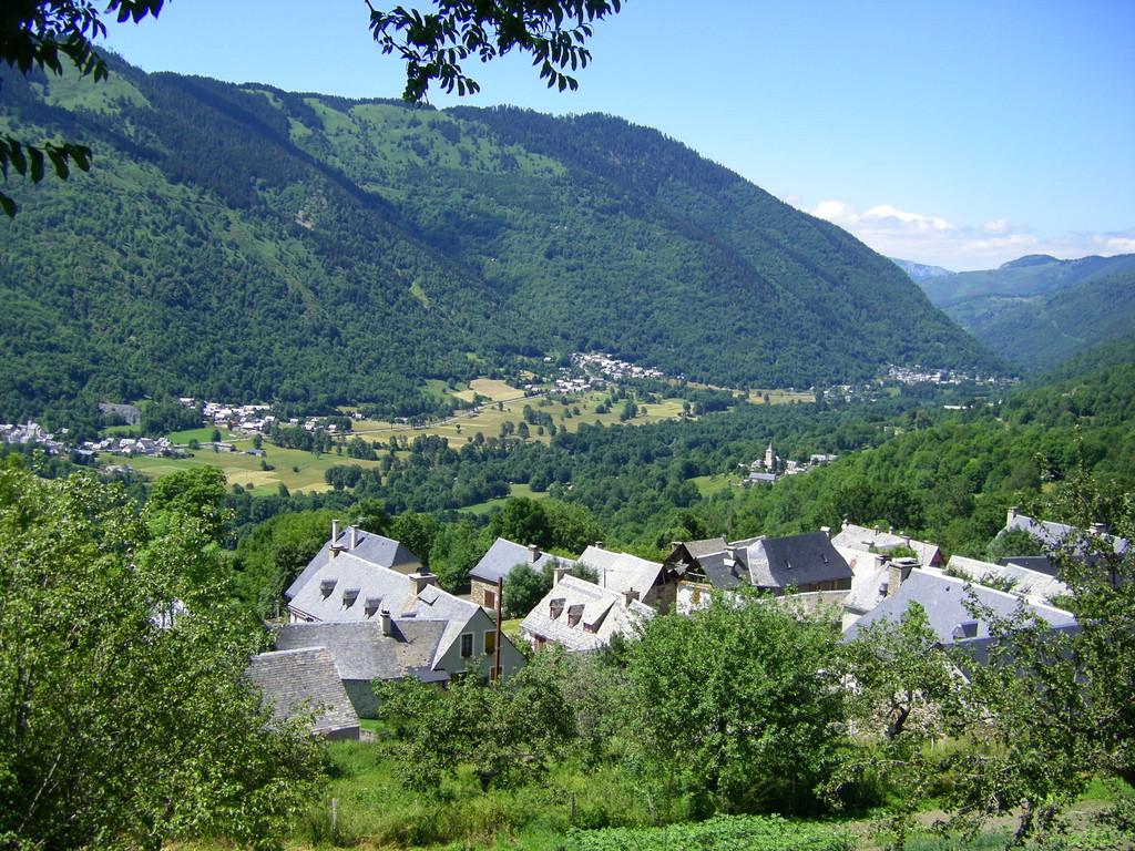 Les villages d'Anéran et d'Avajan.