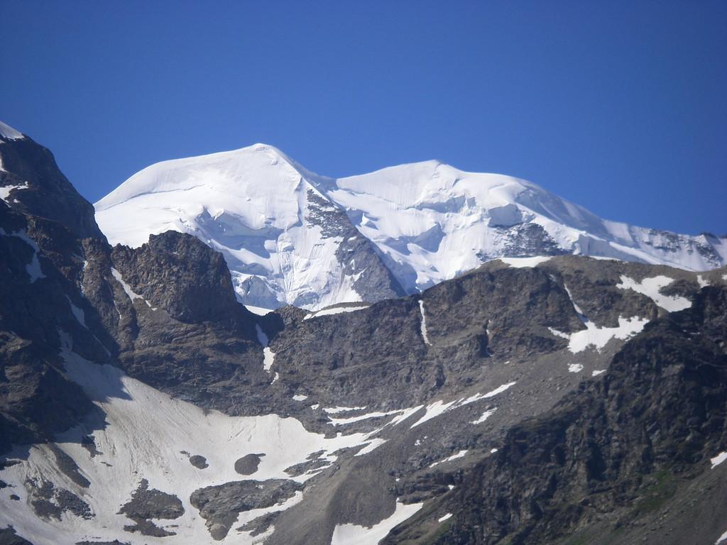 Le Piz Bernina dont la vue égayera ma descente sur St Moritz.