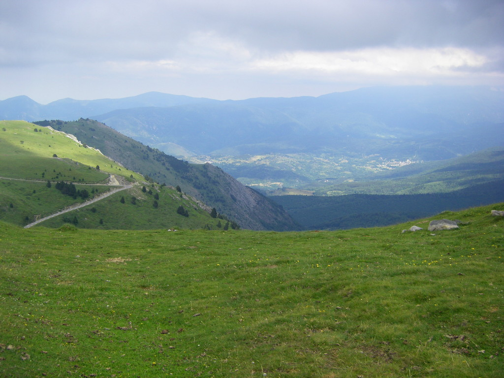 Vue sur le Donezan depuis le col de Pailhères.