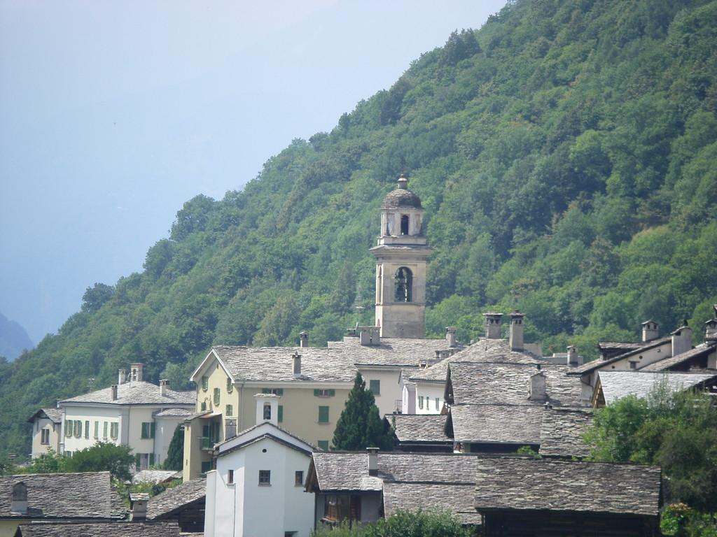 Castasegna : on entre en Italie à nouveau.