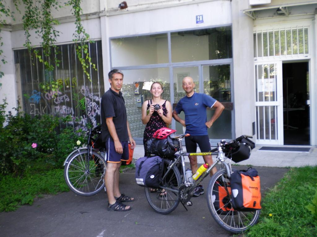 Le moment de quitter Milica et Aleksandar.