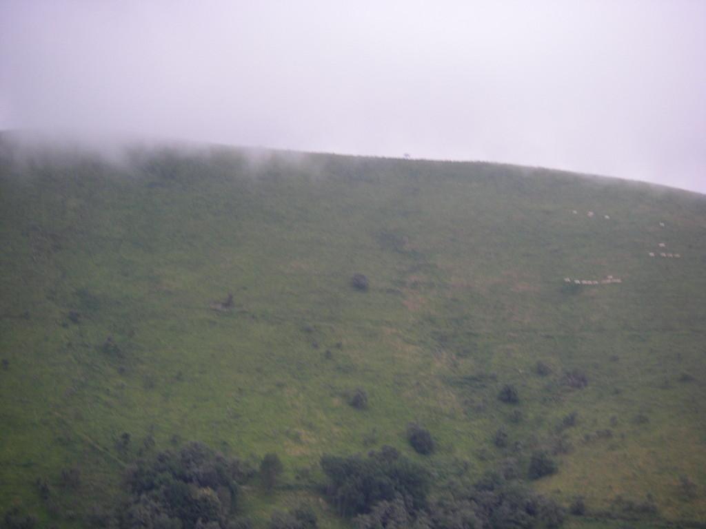 Au col d'Osquich, les nuages approchent.