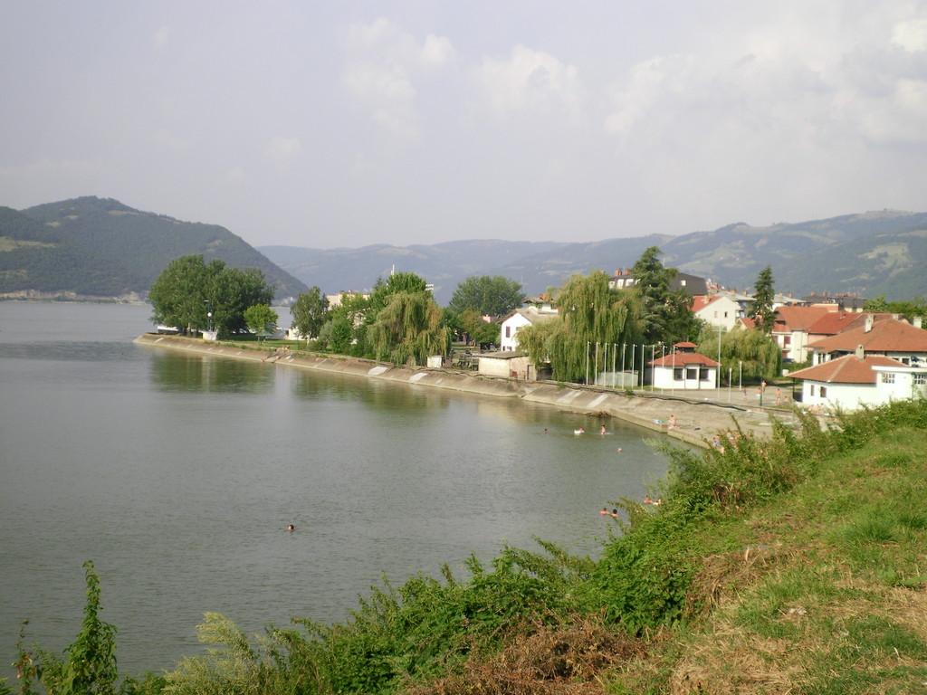 Donji Milanovac.