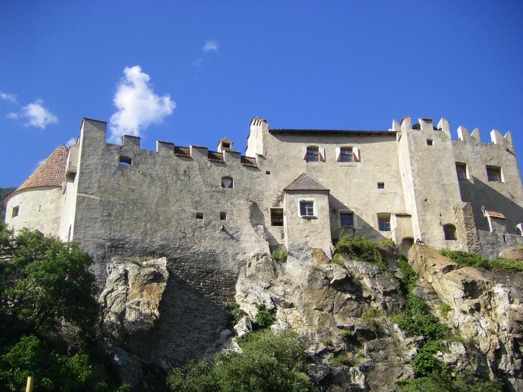 Kastelbell (ou Castelbello).