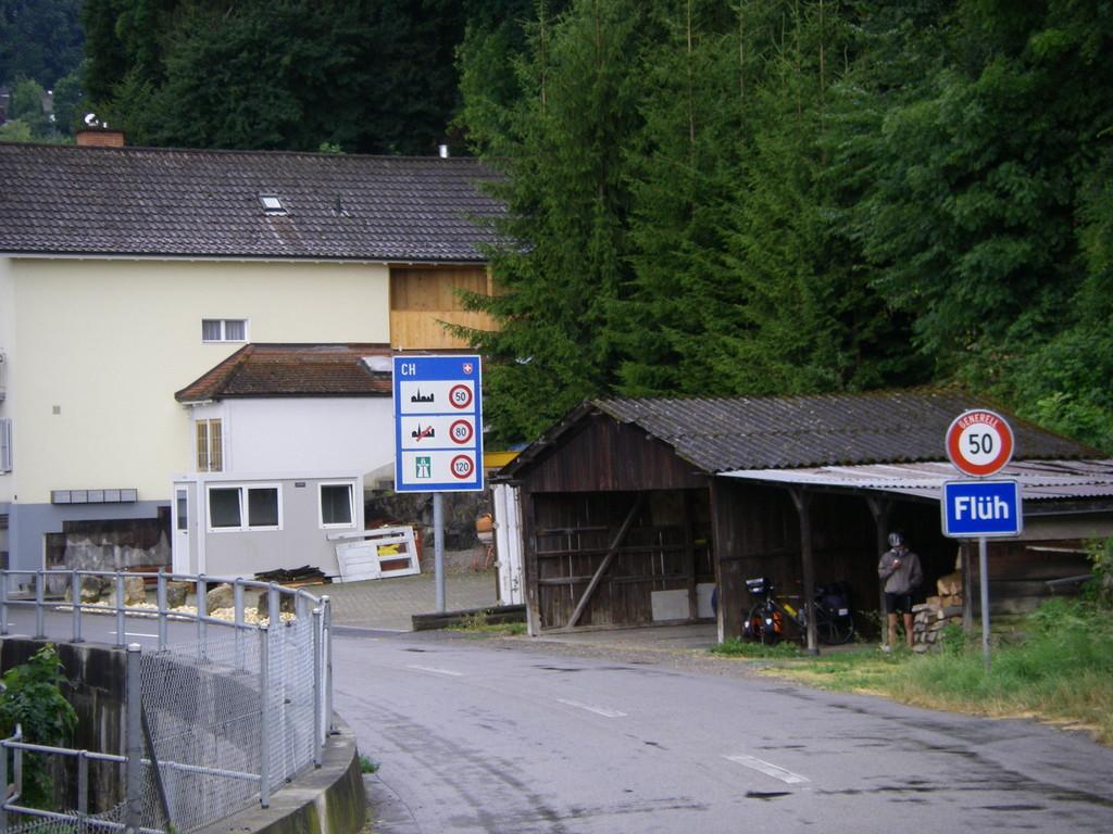 La première douane : l'entrée en Suisse.