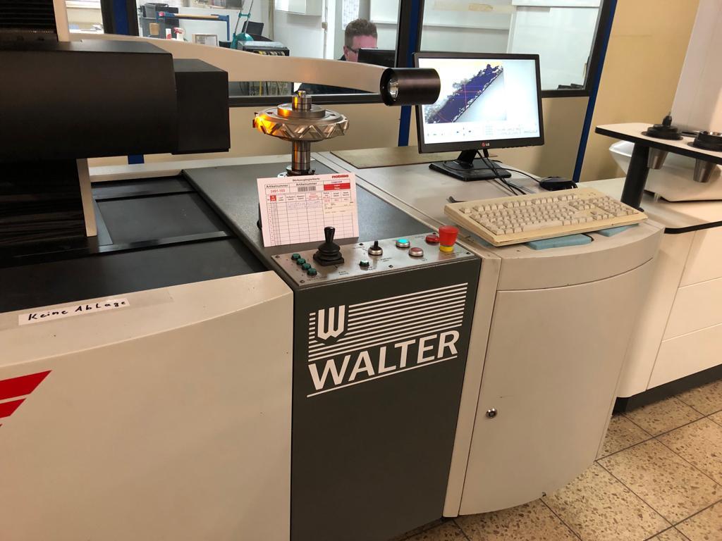 Walter Toolcheck mit 2CCD Matrixkamera für Außlesung von Winkeln