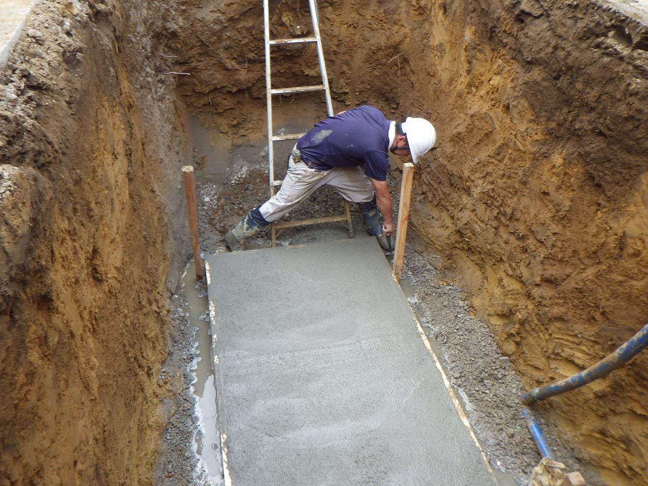 浄化槽工事底盤コンクリート