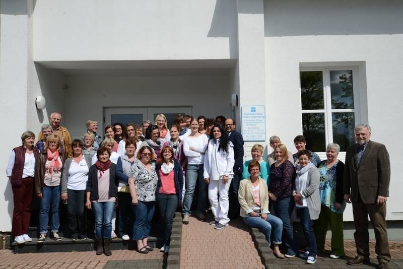 Über 70 Mitarbeiter fahren täglich im Auftrag der Diakoniestation Hoher Vogelsberg zur Pflege, Betreuung und Unterstützung. Fotoquelle: Diakoniestation Hoher Vogelsberg