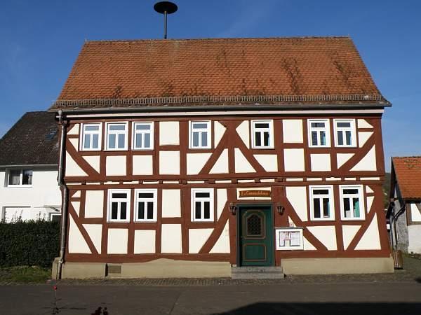 Das Gemeindehaus in der Ortsmitte