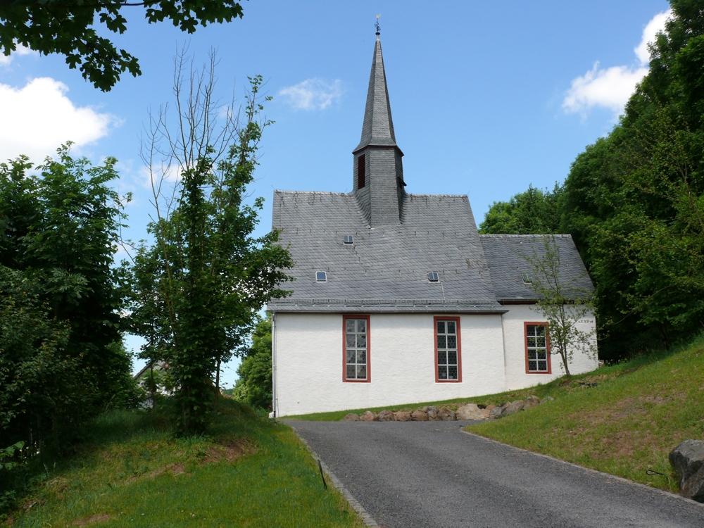 Kirche in Mittel-Seemen