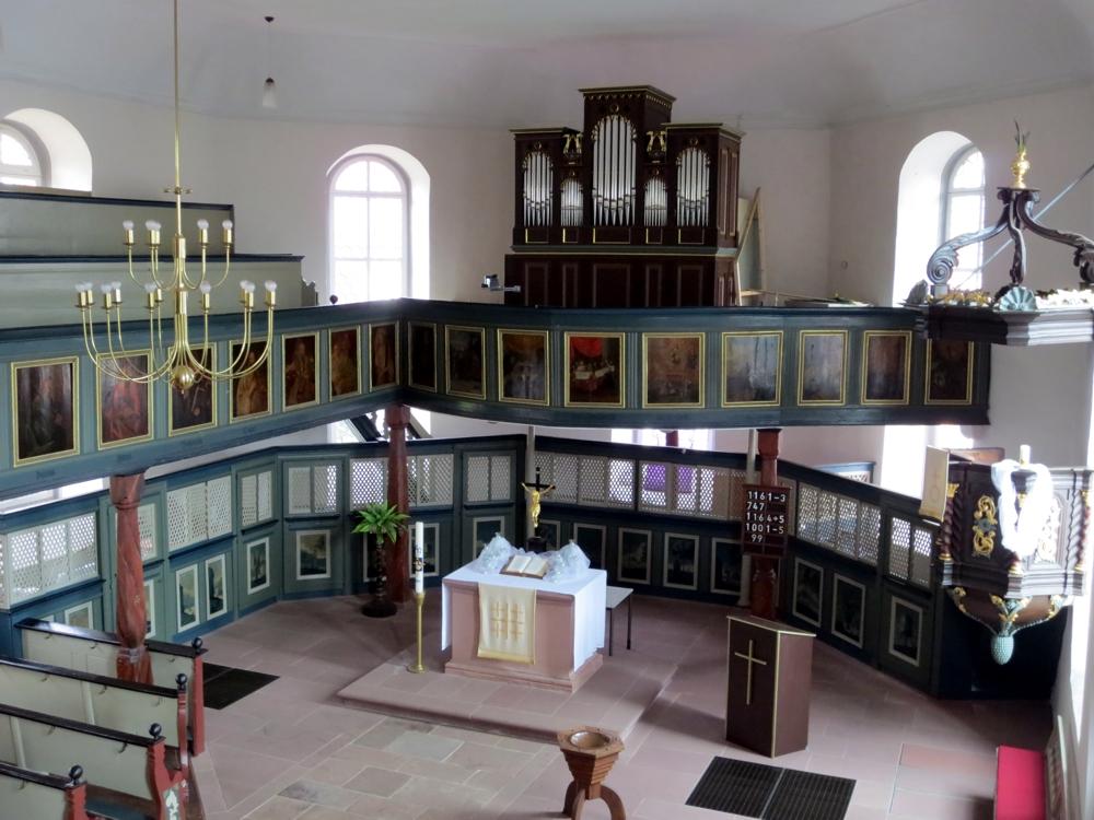 Kirche in Burkhards - Innenansicht