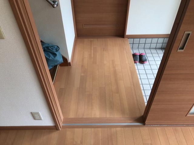 居間からトイレへ一直線 段差もありません