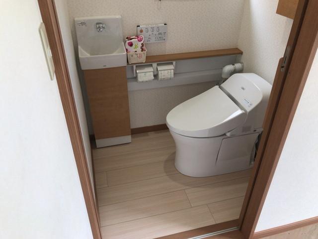明るくて使いやすいトイレが完成しました!