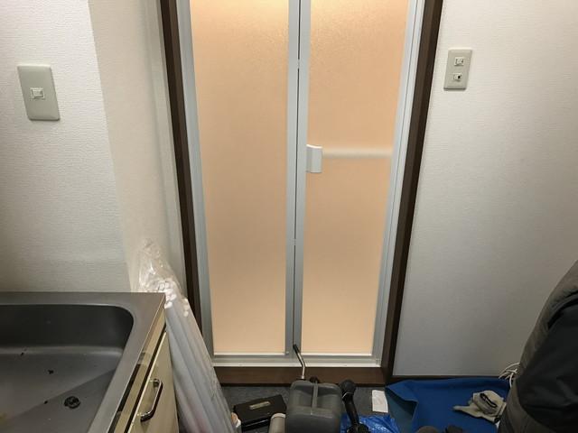 木のドアから樹脂折れ戸へ