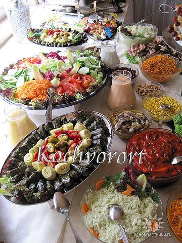 Swadba bunte Salate Koch vor Ort russische Hochzeit
