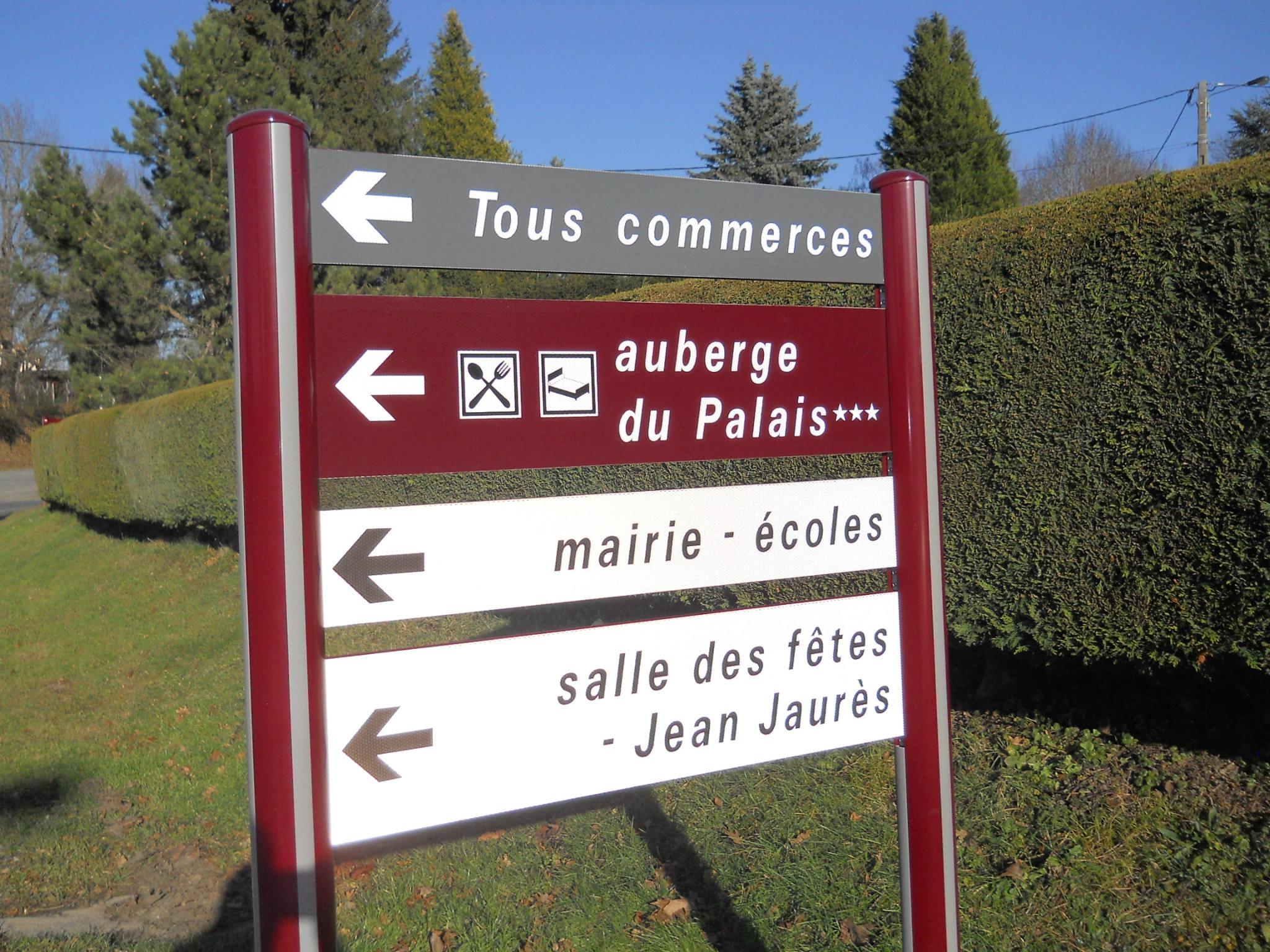 Signalisation d'information locale de la Montagne Thiernoise (63)