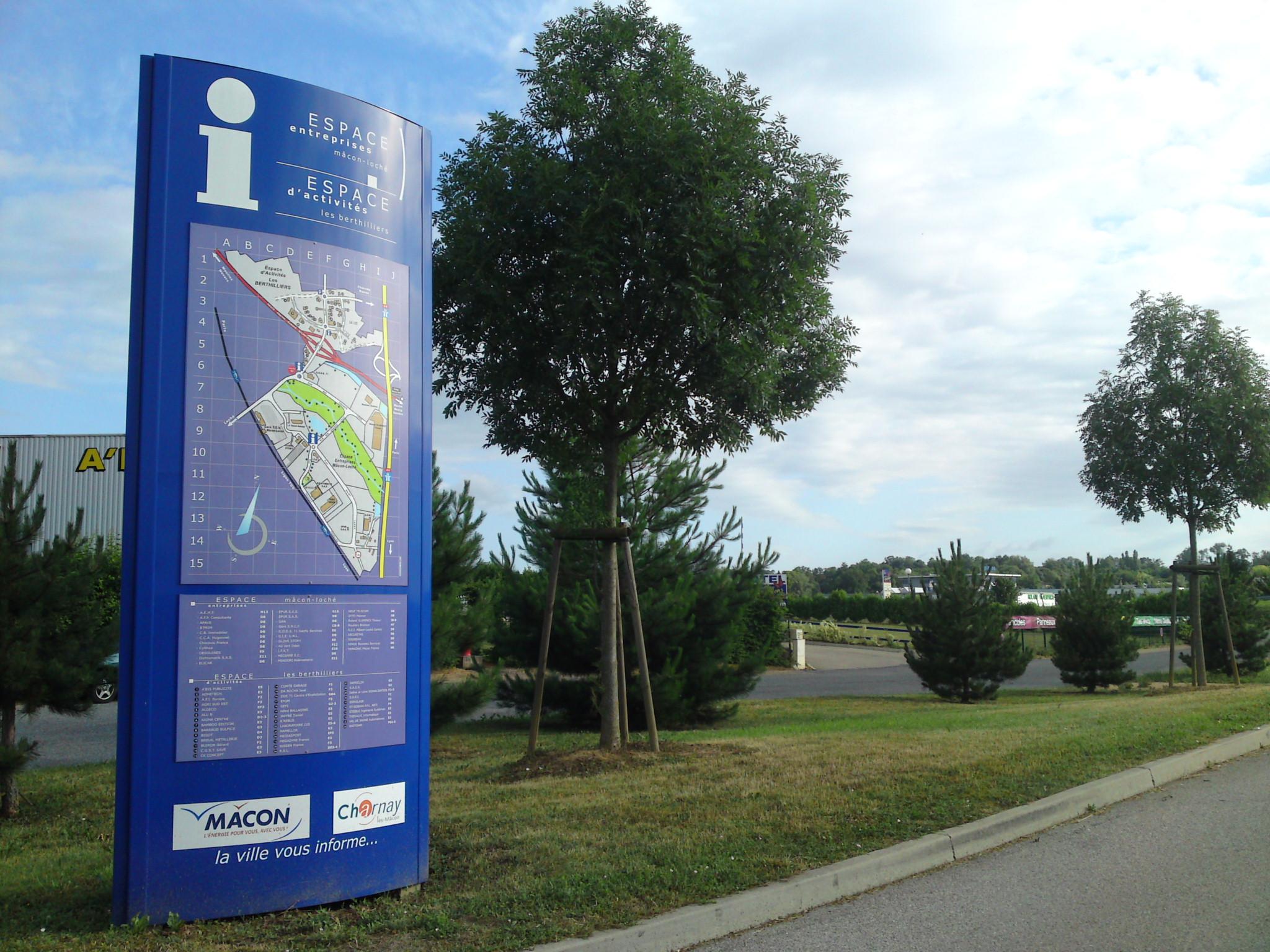 Signalétique économique de la ZI de l'Echange Besançon Ouest (25)