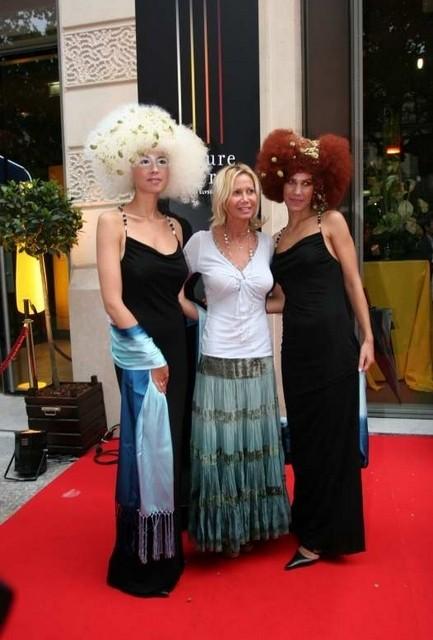 FIONA GELIN (au milieu)