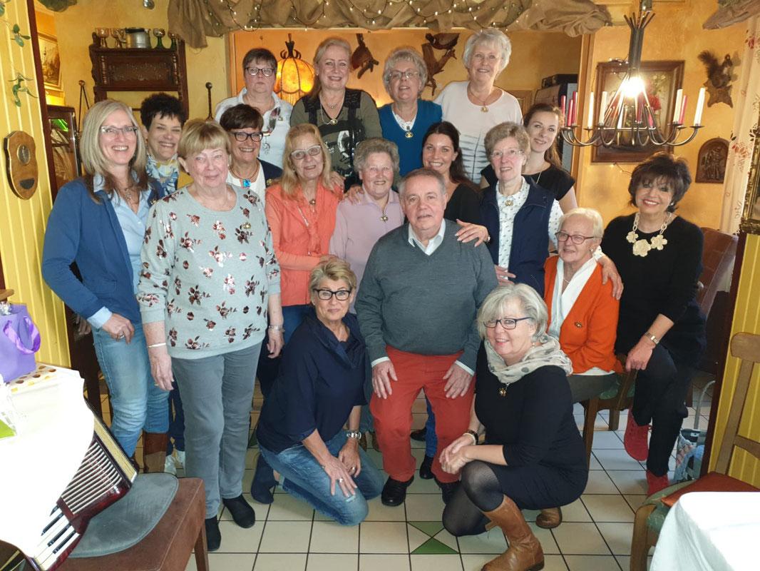 @2019: Schützenköniginnen mit Ehrengast Bürgermeister a.D., Hans-Theo Mennicken