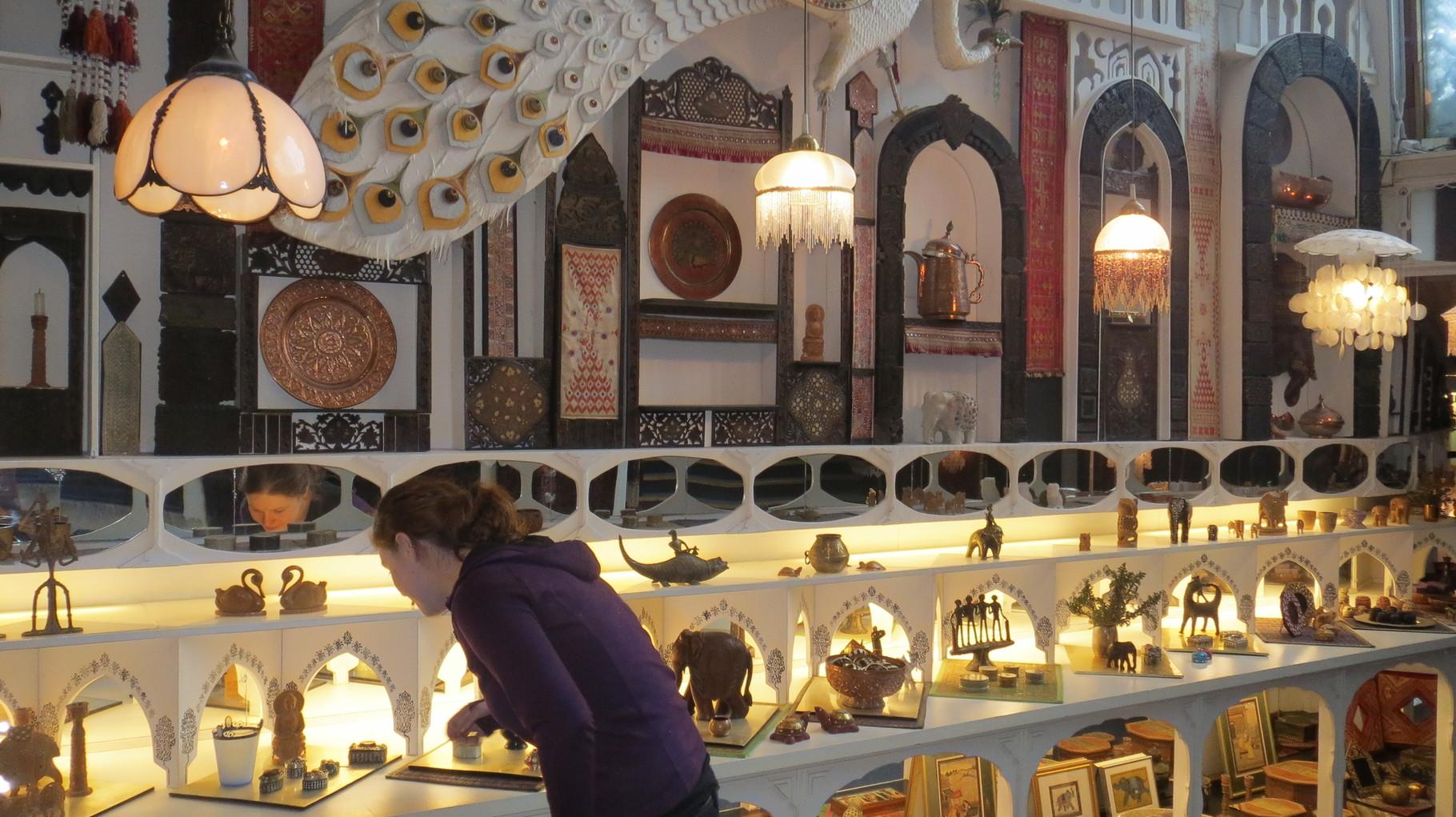 Hier stapeln sich plötzlich Schätze aus Afghanistan und Pakistan, Afrika und Asien ...