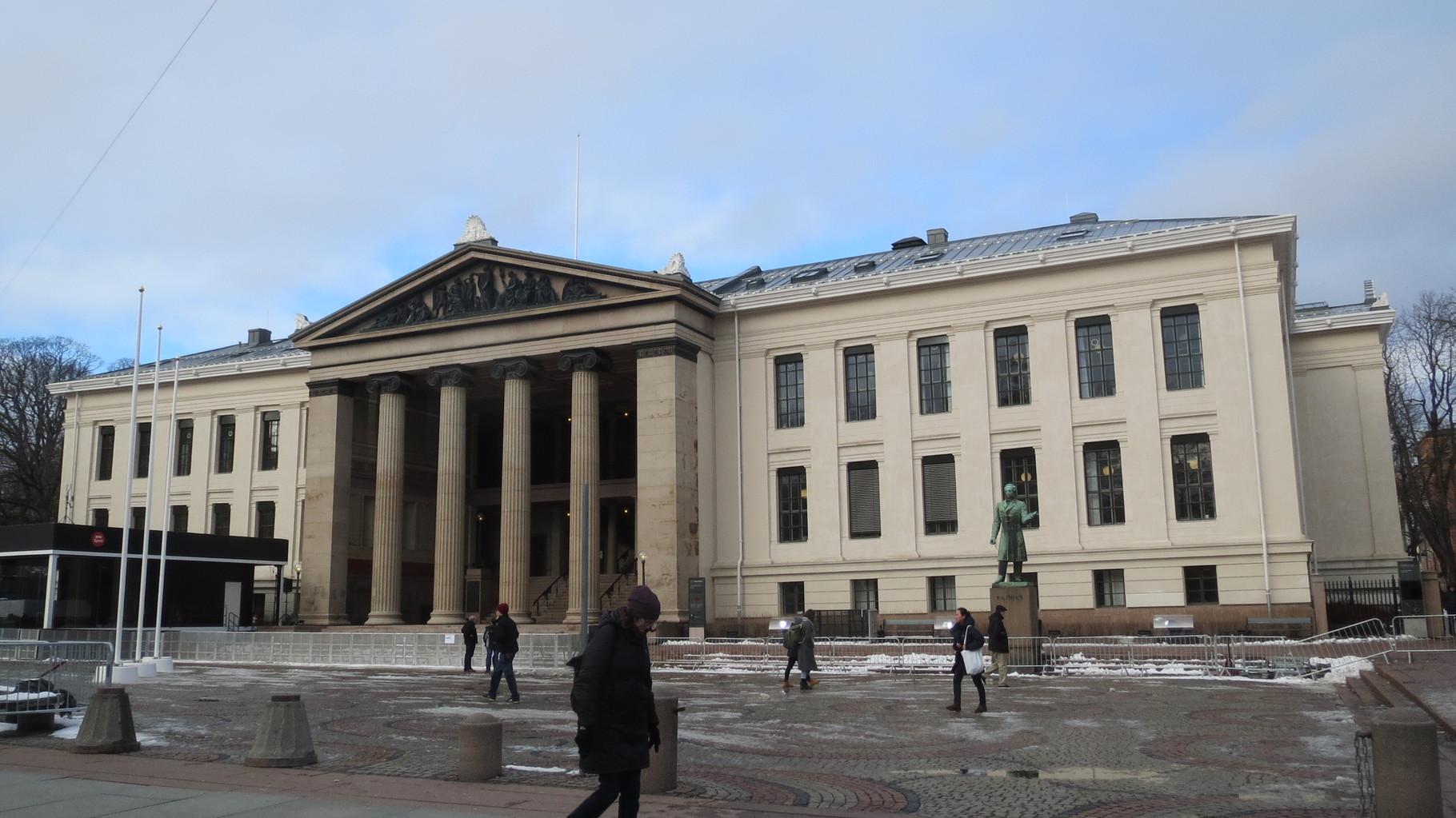Das Hauptgebäude der Universität Oslo.