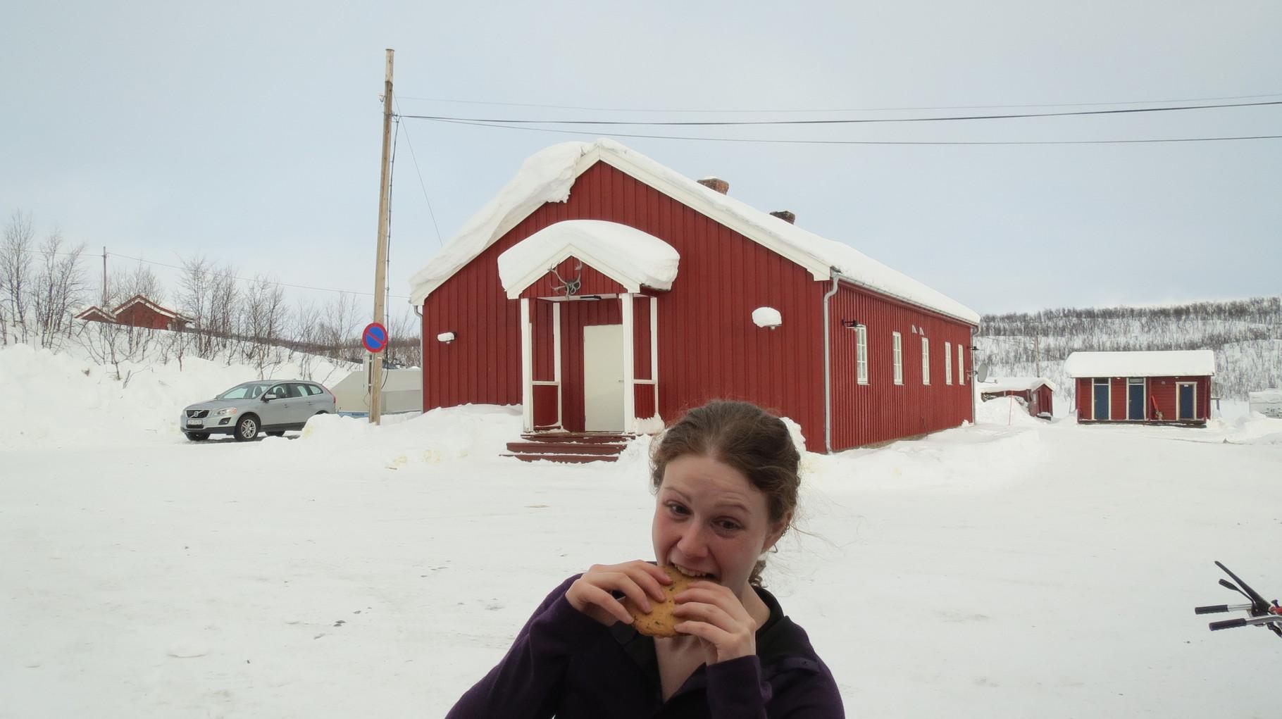 Auf dem Rückweg noch einmal auf einen großen Keks in Suolovuopmi vorbei ...