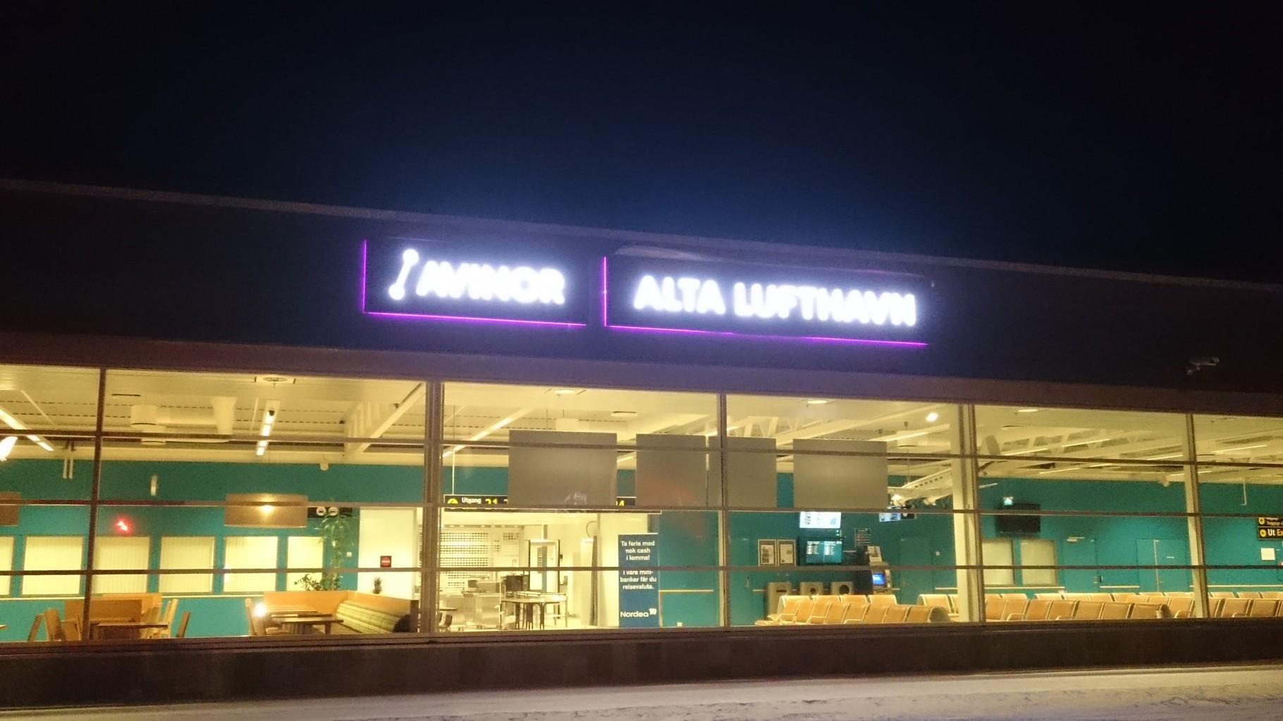 ... und endlich mit Verspätung abends angekommen in Alta.