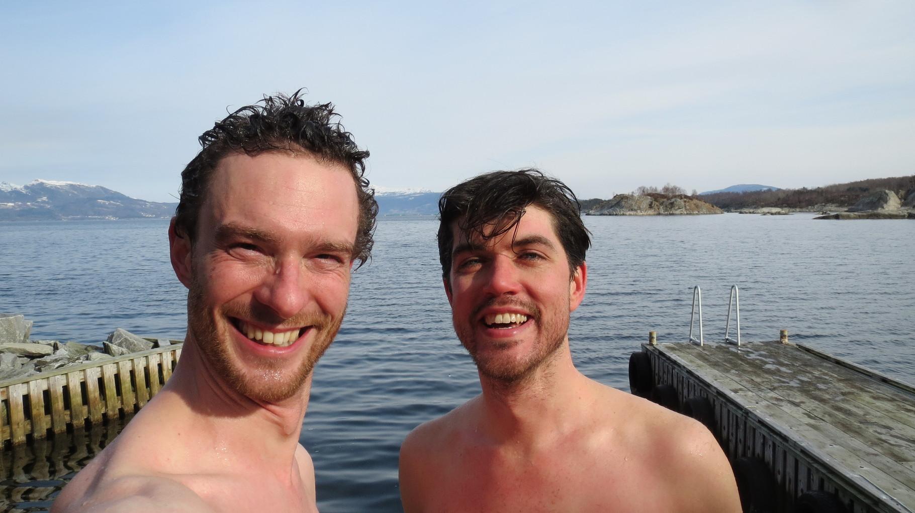 ... da war der Sprung ins Eiswasser fällig - auch wenn es erst Anfang März ist!