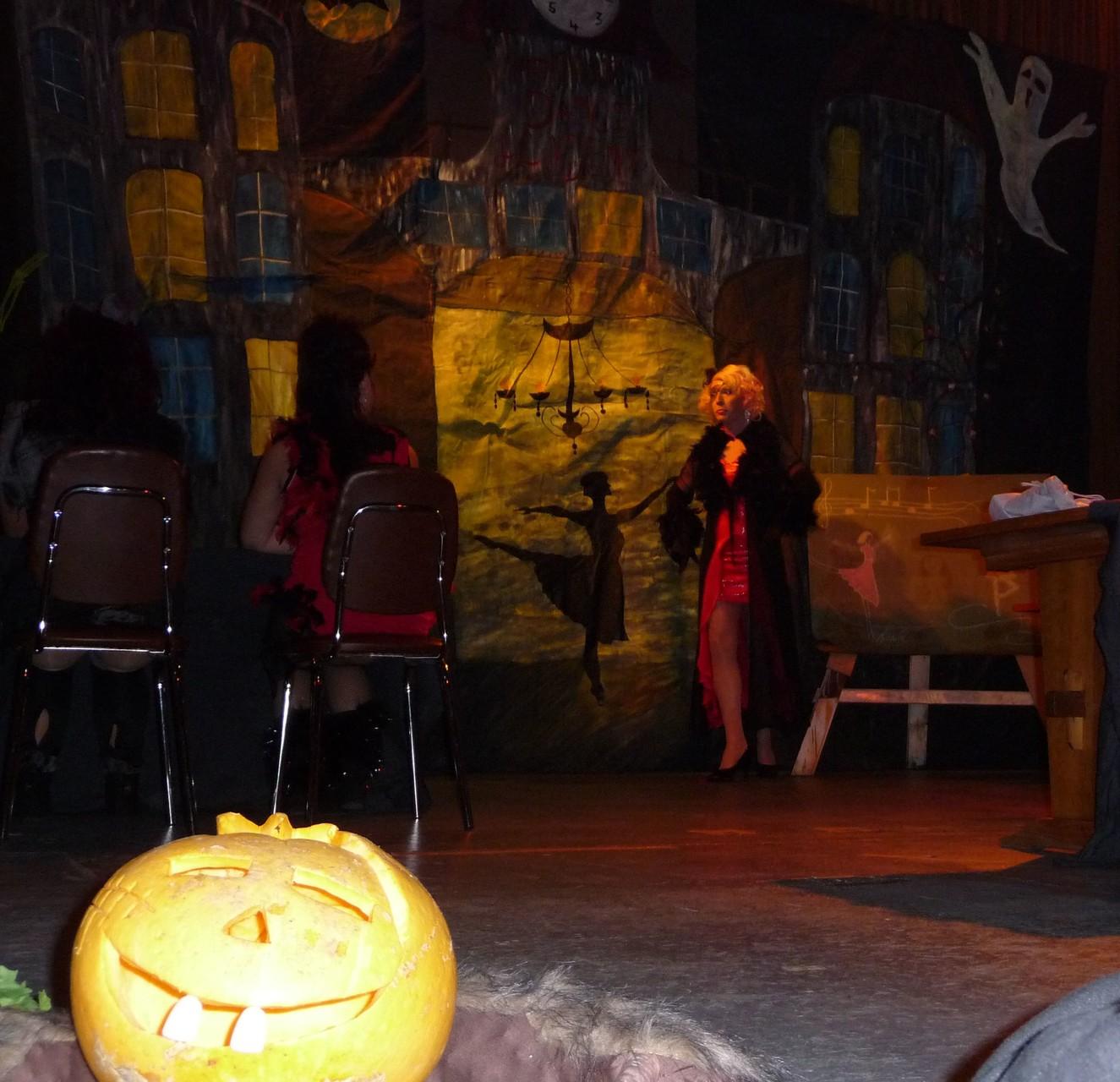 "Tza Tza, Caramelle e fiori & die ViaChicks - Eröffnung ""Horror Dance Academy"""
