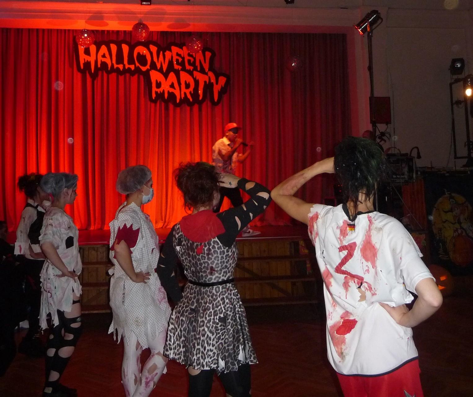 """Dex & die ViaChicks """"Halloween"""""""