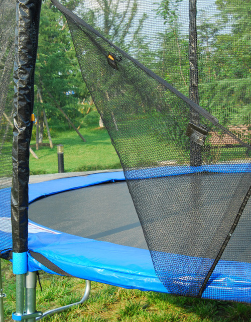 Trampoline maison gallery of soulet trampoline cm soulet for Protector parking carrefour