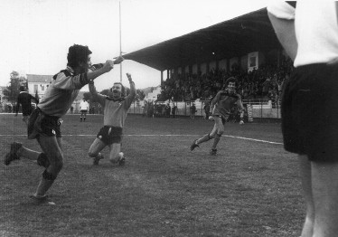 54': Marchese esulta dopo il gol, assieme a Strumia e Lombardi