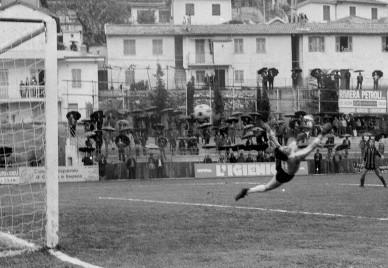 54': un gran tiro di Landini si infila alle spalle di Contini