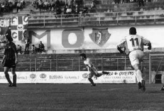 47': Stamilla esulta dopo il gol vittoria