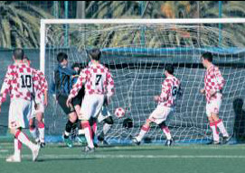15': Calvi realizza il gol vittoria