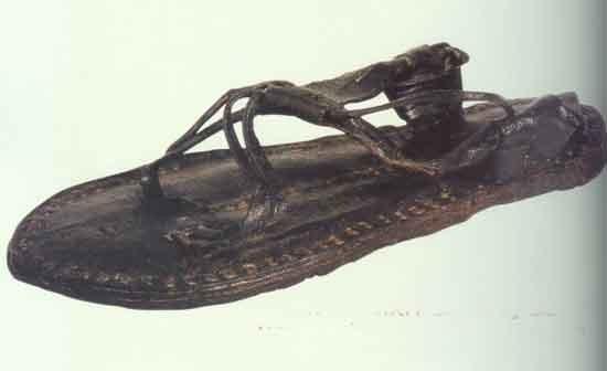 Seine Sandalen