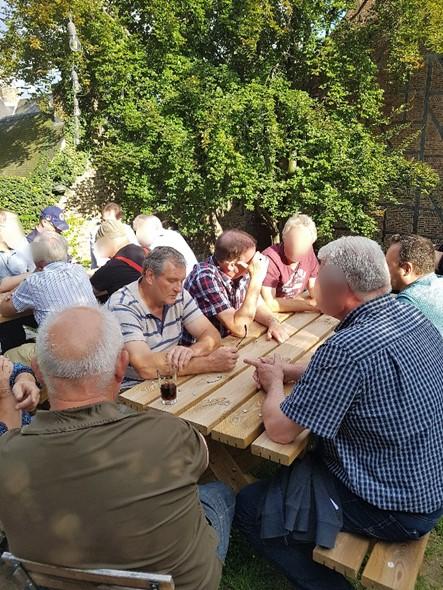 In een cafe hebben we we even gerust en genoten van een heerlijk verkoelend Belgisch pintje! Met dank aan het bestuur!