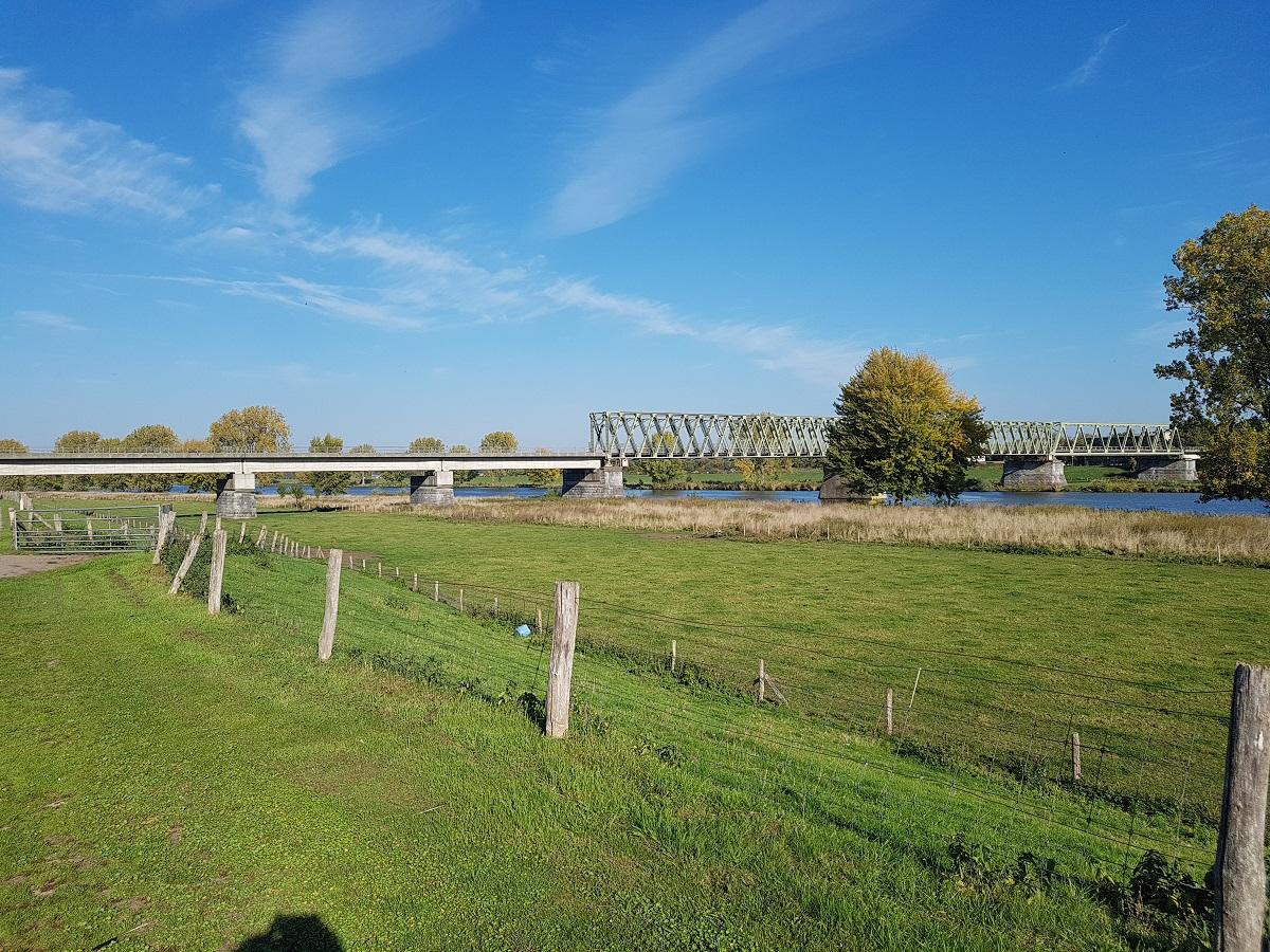 Met als hoofddoel: beschermen van de brug en natuurlijk de Nederlandse grens!