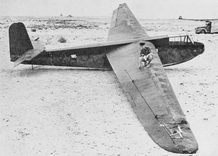 Duits zweefvliegtuig. Hiermee konden de Duitse commondo's heel stil hun doel benaderen