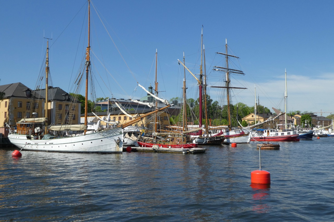Stockholm Sicht vom Wasser mit Fähre