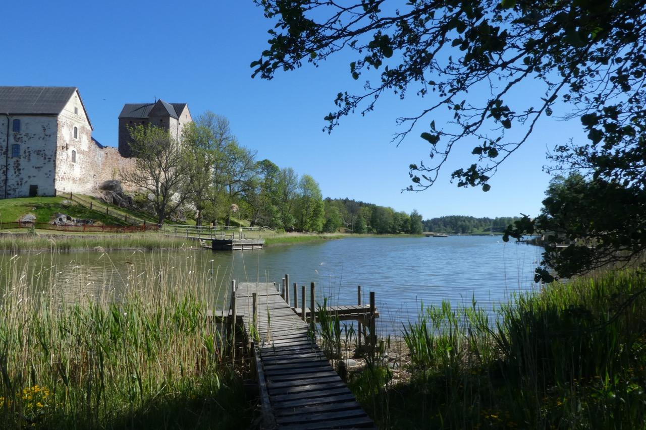 Kastelholm Fjord Holzsteg und Schloss