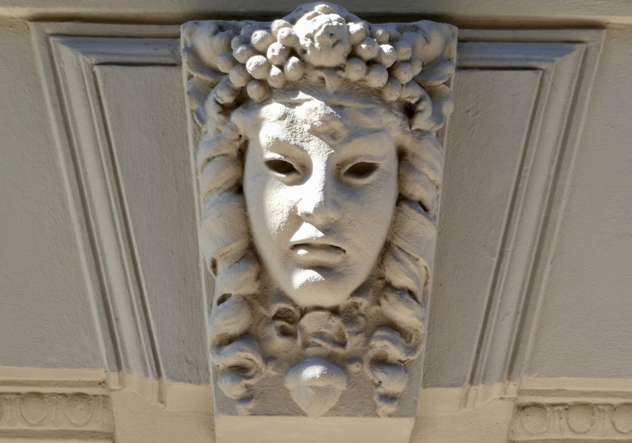 Sundsvall Häuser Masken