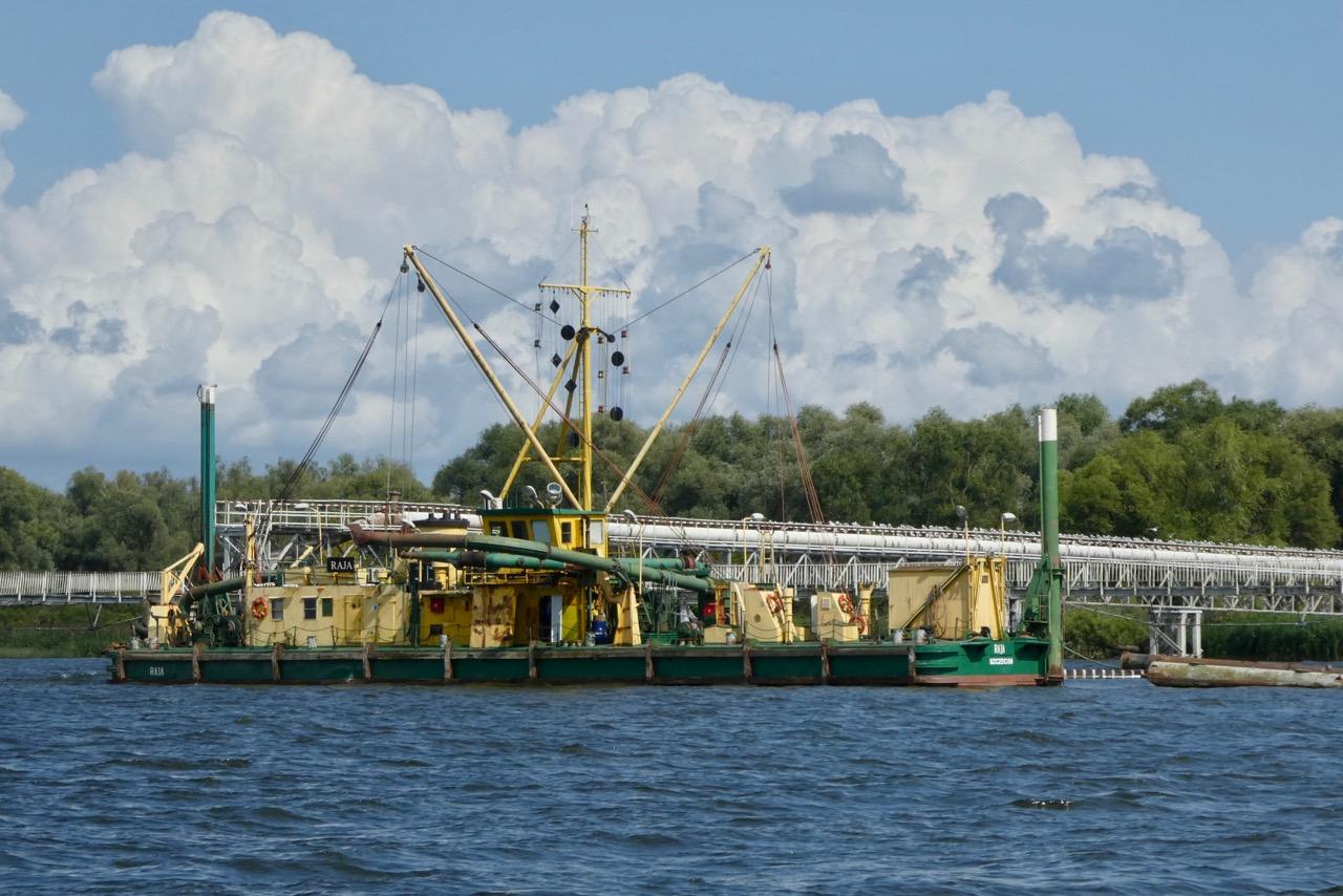Stettiner Haff Baggerschiff