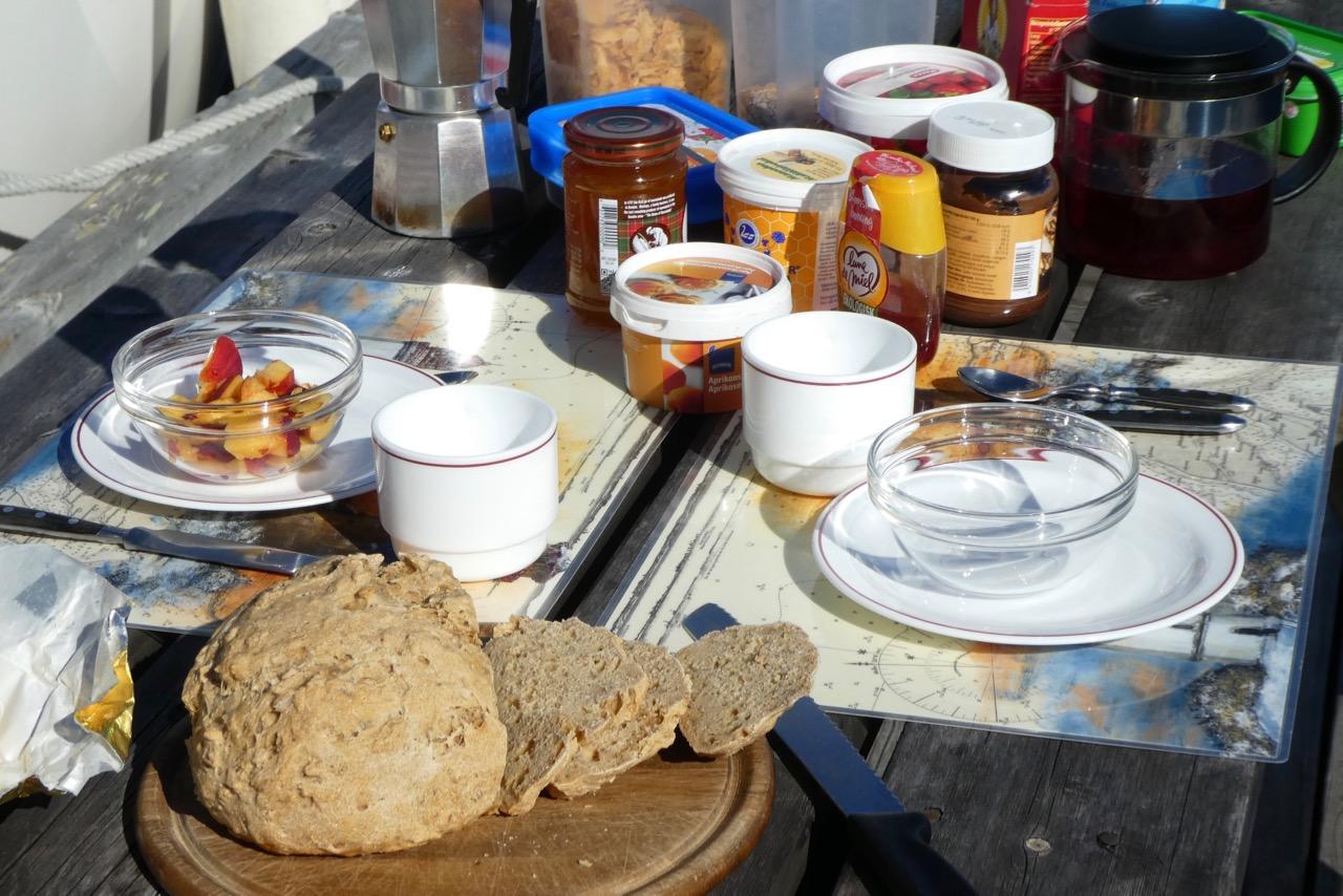 Gardsviken Frühstück auf Steg