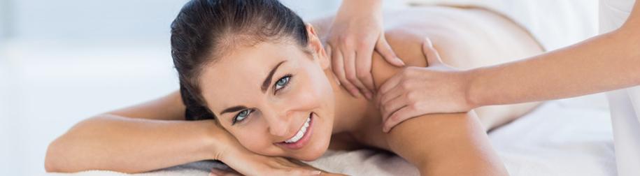 Massage bei Frau