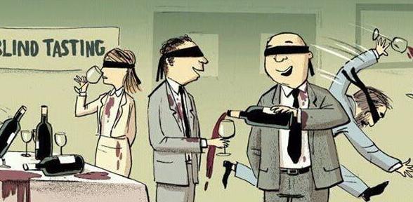 cartoon van een blinde proeverij waar de deelnemers een blinddoek omhebben waardoor ze niet kunnen zien dat ze de wijn naast het glas gieten en onder de rode wijnvlekken zijn gekomen