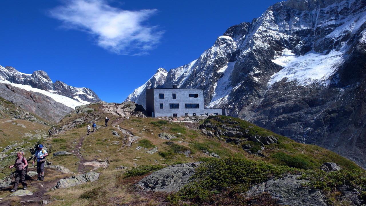 Die Anenhütte zuhinterst im Lötschental