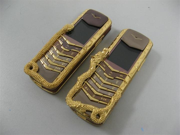 Vertu Boucheron Cobra